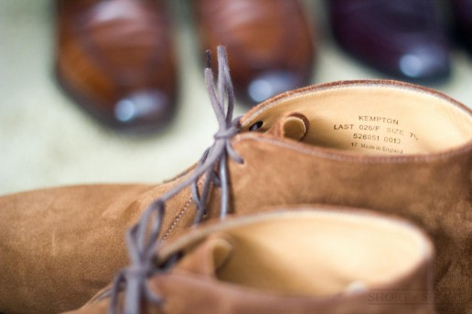 loake-shoemakers-review-kempton-chukka-brown-suede